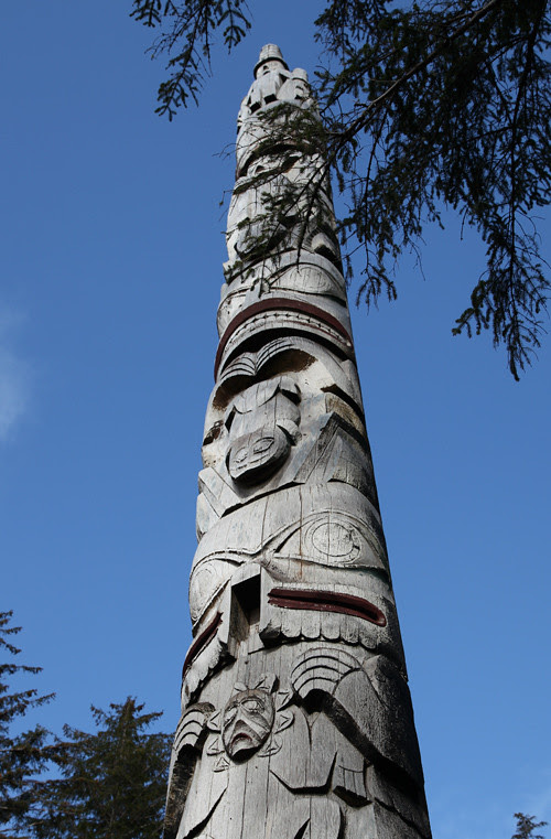 frontal totem pole, Chief Son-i-Hat Whale House, Kasaan, Alaska