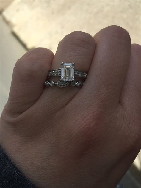Show off your Wedding Bands!!