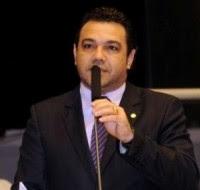 """Líderes evangélicos e internautas lançam campanha """"Marco Feliciano não renuncie"""" e manifestam apoio ao pastor"""