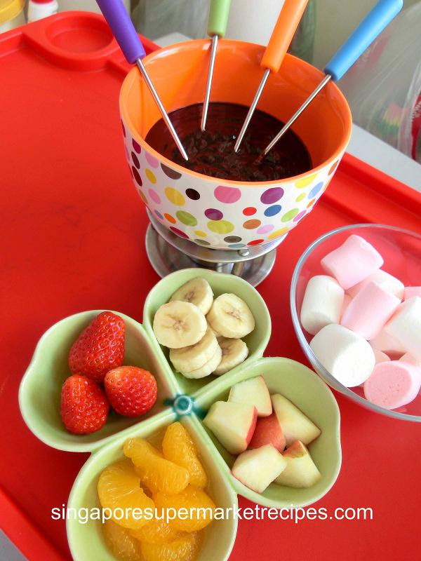 QUICK AND SIMPLE CHOCOLATE FONDUE RECIPES - GREAT FOR ...