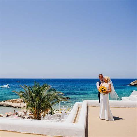 Ceremony Host   Ibiza Wedding Shop   Perfect Weddings in Ibiza