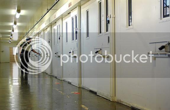 http://i604.photobucket.com/albums/tt129/Tellabeltz/IMAGENES%202013/CORREDORMUERTE_zps1de9dbc0.jpg