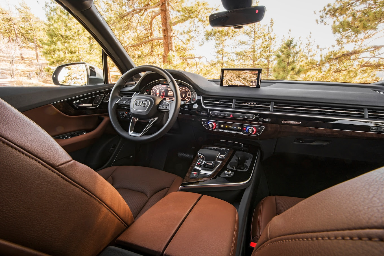 2017 Audi Q7 30T Quattro interior