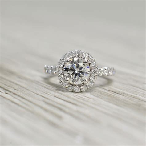 Round Brilliant in a 2.5mm Domed French Pavé Halo