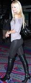Sophie Turner Leggins Ajustadísimos Con Botas