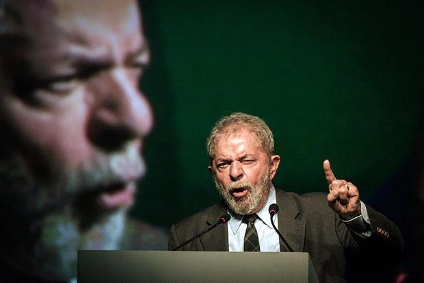 O ex-presidente Luiz Inácio Lula da Silva em congresso no Rio de Janeiro