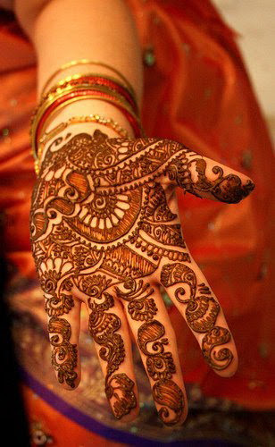 HENNA-BRIDAL-MEHNDI-DESIGNS-9