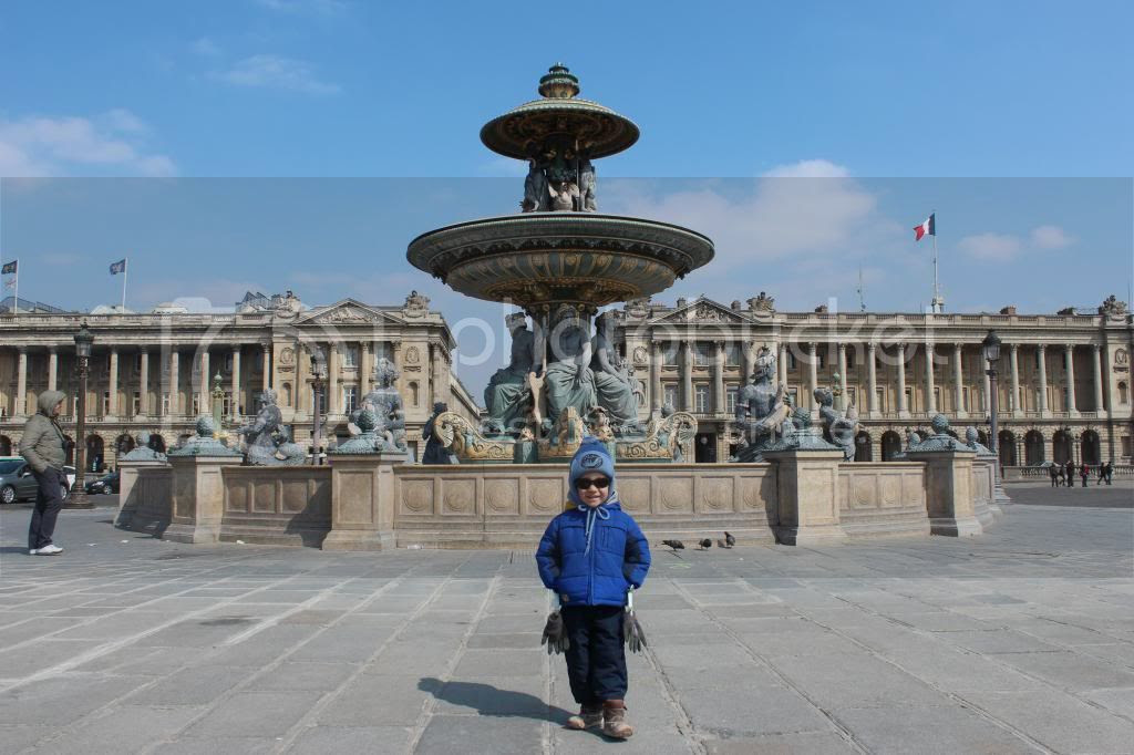 Teddy at the Place de la Concorde