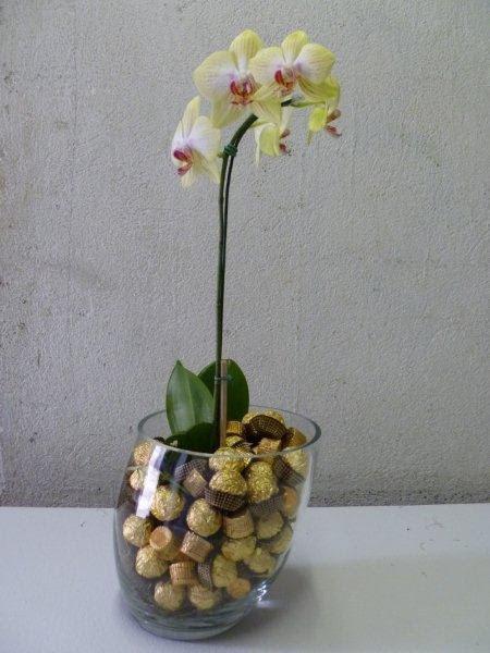 Arranjos de Flores para Mesa em chocolate