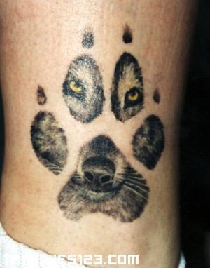 Huella Del Lobo Tatuajes 123