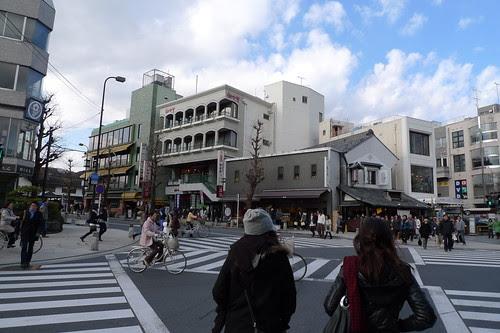 Returning to Kamakura streets