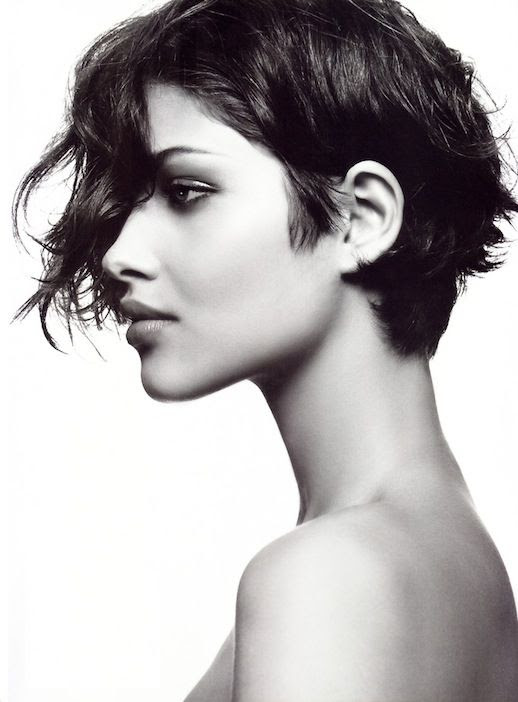 4 Le Fashion Blog 20 Inspiring Short Hairstyles Ana Beatriz Barros Asymmetrical Hair Via Allure photo 4-Le-Fashion-Blog-20-Inspiring-Short-Hairstyles-Ana-Beatriz-Barros-Asymmetrical-Hair-Via-Allure.jpg