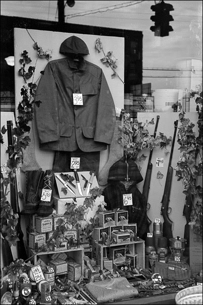 1939-Connecticut-Windsor-Locks-store-display-4.jpg