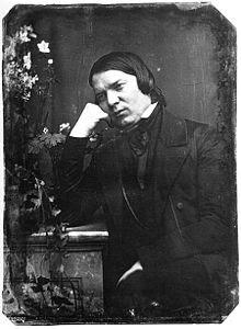 http://upload.wikimedia.org/wikipedia/commons/thumb/7/78/Schumann-photo1850.jpg/220px-Schumann-photo1850.jpg