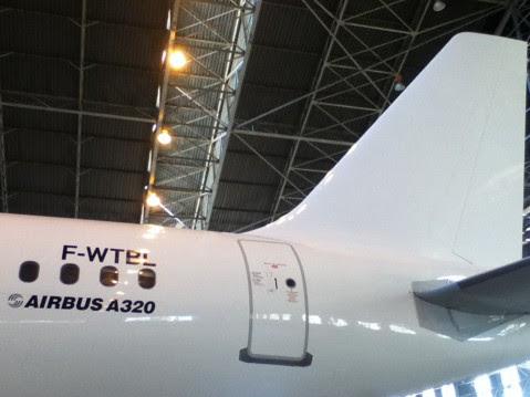 "Air Zimbabwe A320 Airbus ""F-WTBL"""