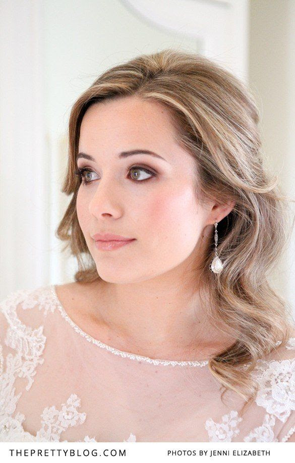Soft wedding make-up and hair | Photography: Jenni Elizabeth | Wedding dress: Olivelli Bridal Boutique