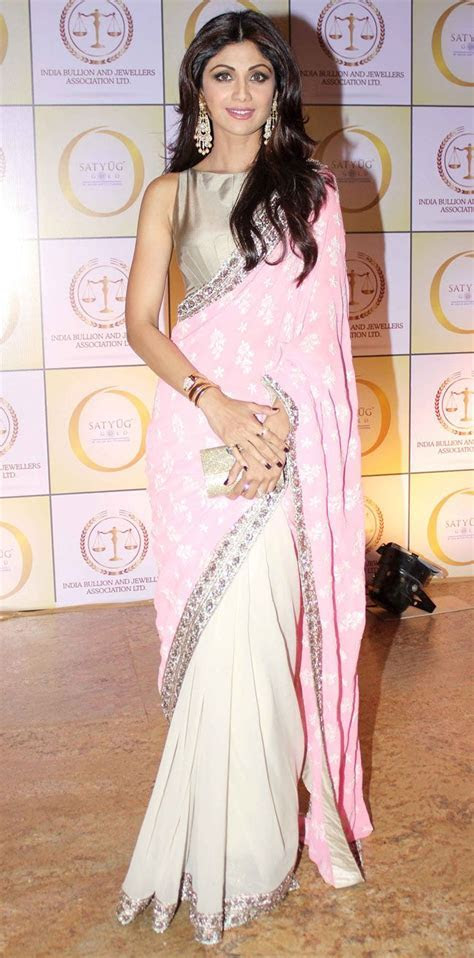 Shilpa Shetty at the launch of her jewell   Just Sarees