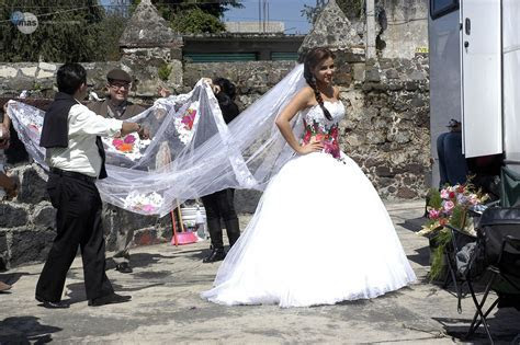 Embroidered wedding dress. From the Mexican novela Mi