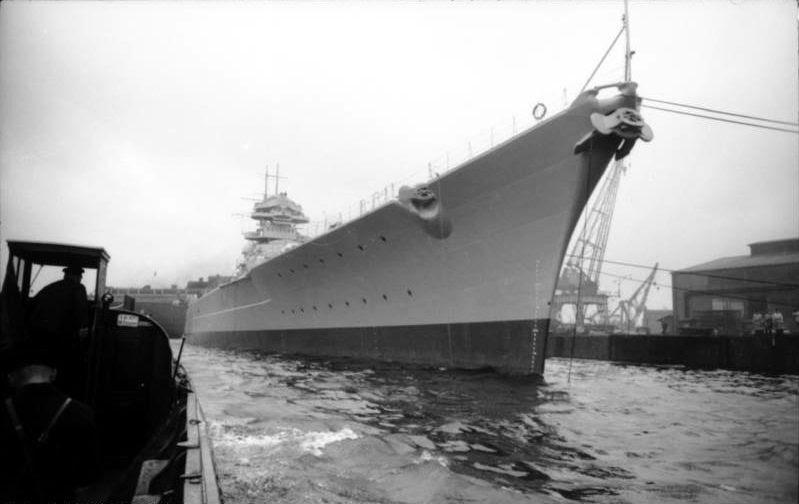 File:Bundesarchiv Bild 101II-MN-1361-16A, Schlachtschiff Bismarck, Indienststellung.jpg