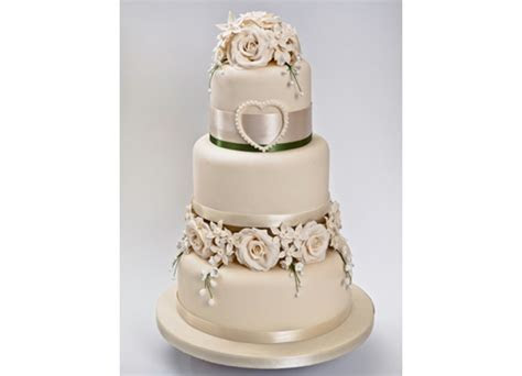 The Cake Works Wedding Cakes   Darlington Weddings.co.uk