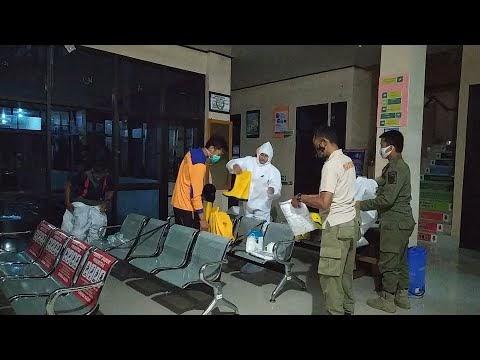 Pemakaman Secara Protokol Covid-19 di Kelurahan Tugusari Kecamatan Sumber Jaya, Rabu, 28 April 2021