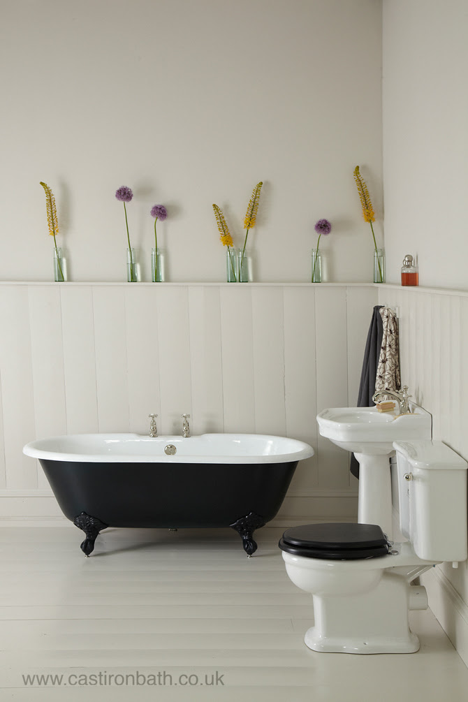 A Perfect Cast Iron Bath For Small Bathrooms The Petite Millbrook