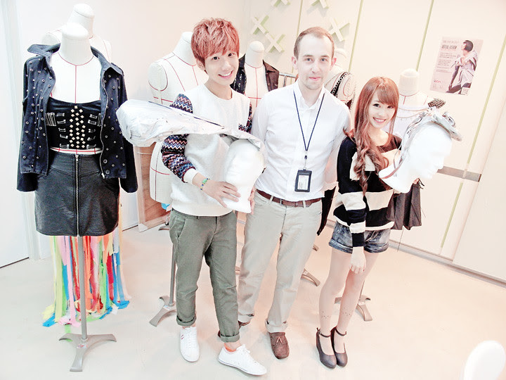 typicalben peishi with lecturer MDIS School of Fashion and Design