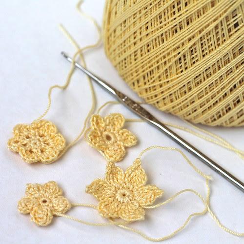 Mini Crocheted Flowers