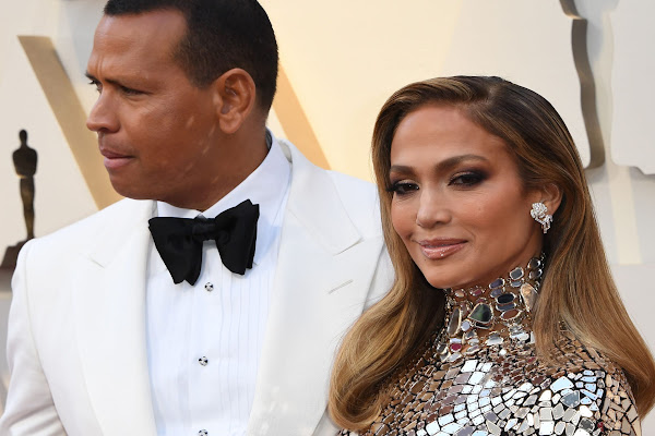03d3f261e07 Alex Rodriguez was delightfully out of place with Jennifer Lopez at the  Oscars red carpet