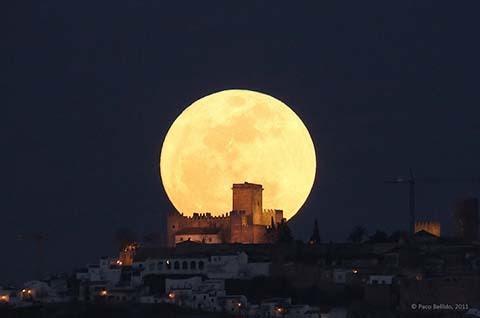 thiên văn, siêu trăng, siêu mặt trăng, 23/6, trăng tròn, cận điểm