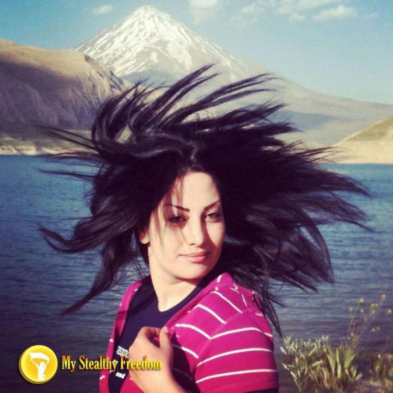 Iranianas protestam contra a estrita lei do hijab publicando fotos com a melena ao vento 07