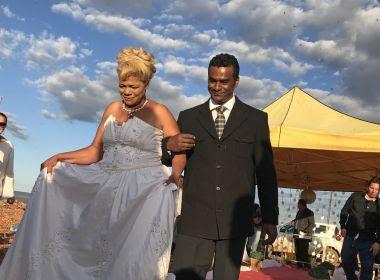 Catadores realizam cerimônia de casamento no maior lixão da América Latina