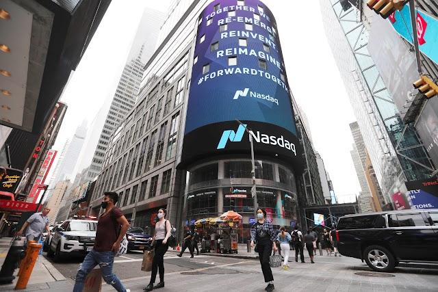 Los futuros de acciones suben después de que Wall Street comienza la semana con pérdidas modestas