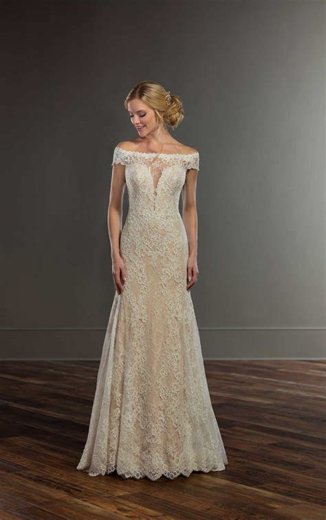Classic French Lace Wedding Gown   Martina Liana Wedding Gowns