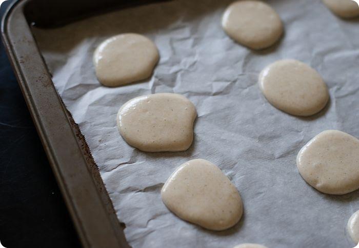 vanilla bean macarons piped 2 photo vanillabeanmacarons2of11.jpg