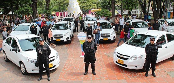 Alcaldía entrega vehículos a Fiscalía, Bapom, Emavi y Bomberos  para apoyar la seguridad