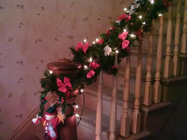 Homemade Christmas Decorating On A Budget... From The Heart - The ...