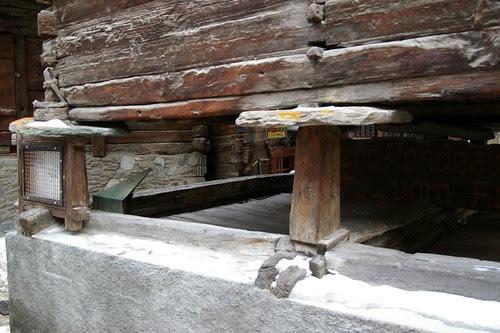 防鼠小屋 就是把底部墊高 防止老鼠