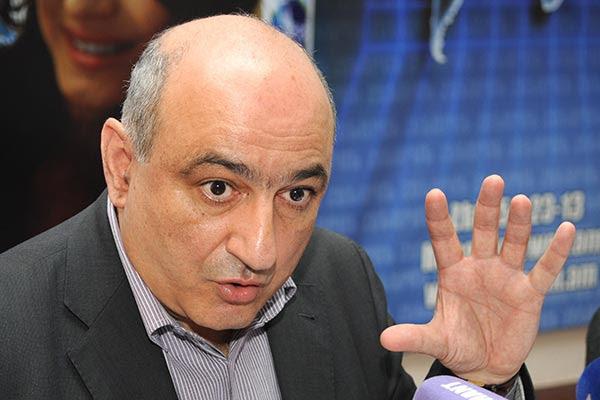 http://www.armenianow.com/sites/default/files/img/imagecache/600x400/freedom-of-speech-Boris-Navasardyan.jpg