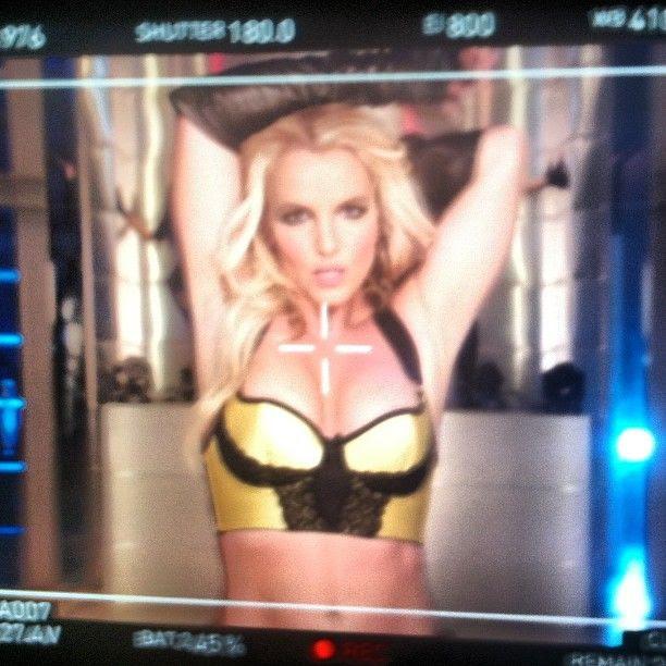 Britney Spears : September 2013 photo 22dbcff0184911e38fb522000aeb45d2_7.jpg