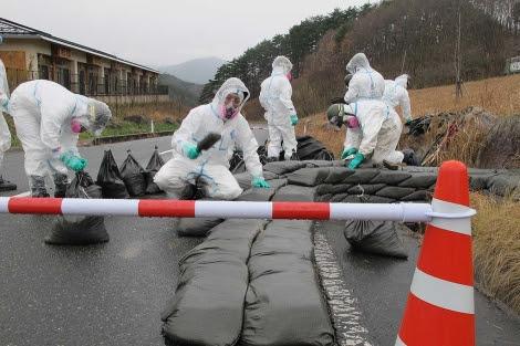 Labores de descontaminación en la ciudad de Iitate, cerca de Fukushima