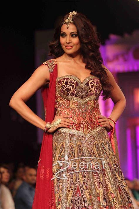 Bipasha Basu In Bollywood Lehenga Choli   Zeenat Style
