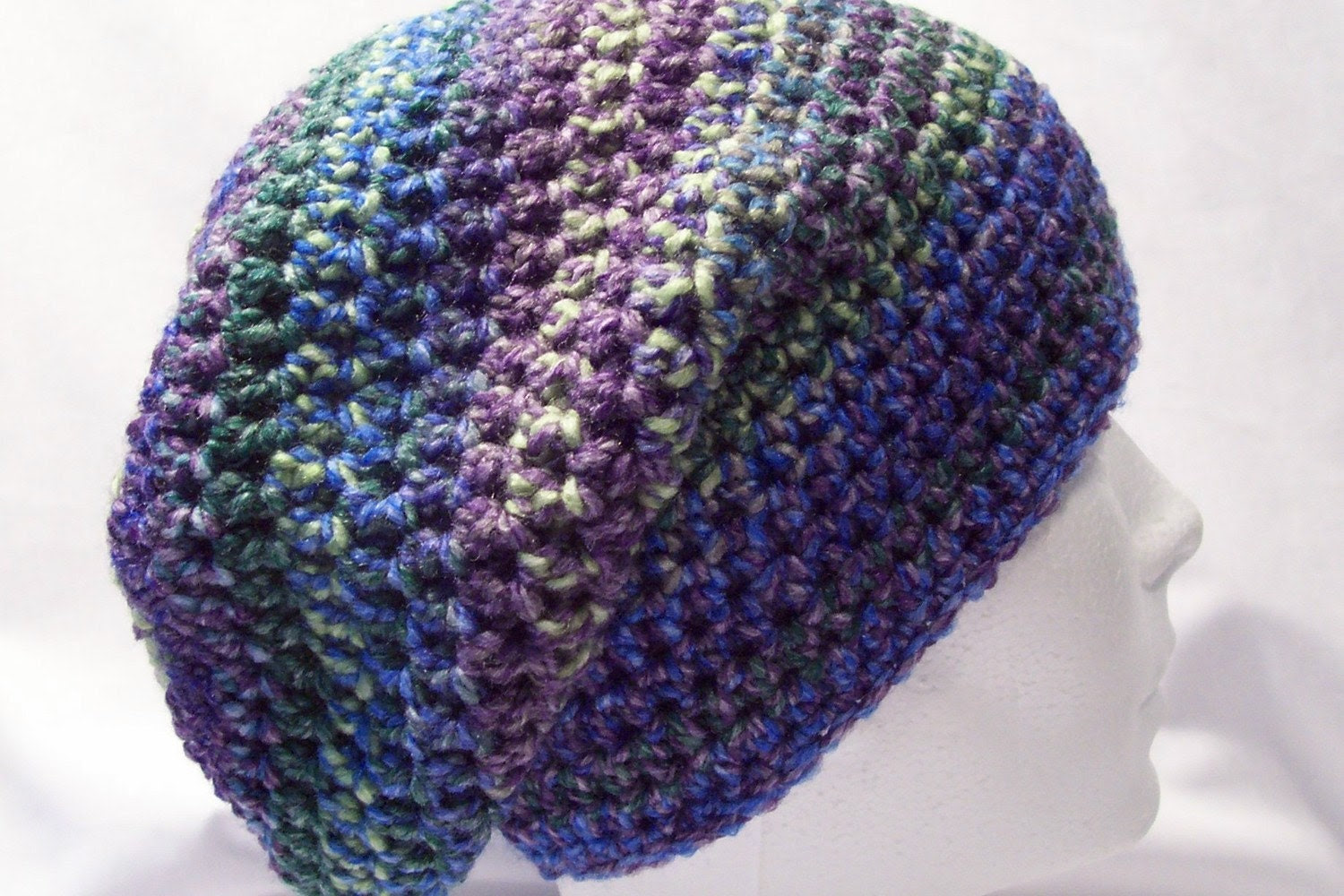 ladies or girls crochet slouch style hat multi coloured 4433