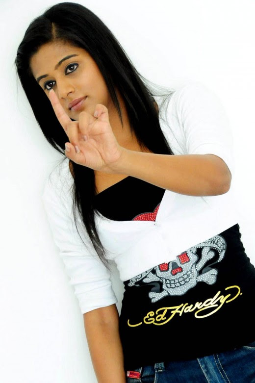/ Priyamani in photoshoot /
