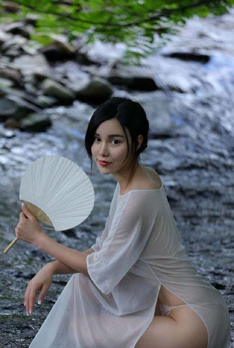 Yu Siqi - модель из Китая.