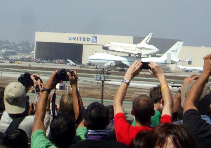 A photo I took of NASA 905 taxiing to the United Airlines hangar, where Endeavour will be temporarily stored after landing at LAX, on September 21, 2012.