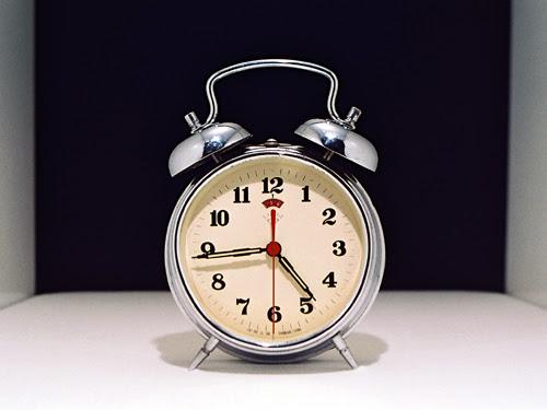File:RelojDespertador.jpg