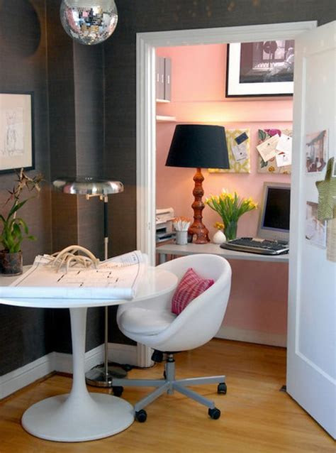 entire home work station housed   pretty pink closet