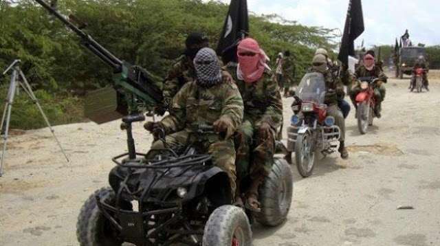 Nigerian Military Burn Six Vehicles And Arrest The Dealers Taking Food To Boko Haram (Video)