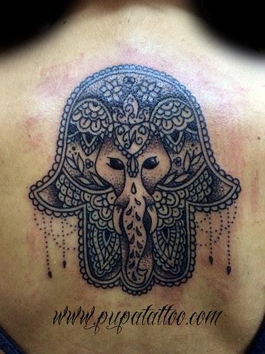 Tatuaje Mano De Fatima Pupa Tattoo Granada A Photo On Flickriver